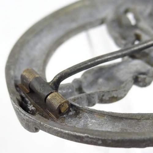 Silver Bandenkampfabzeichen original or fake.