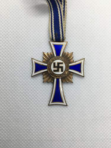 Silver Mutterkreuz genuine?