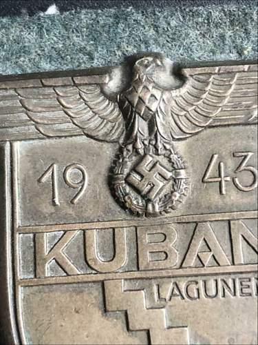 Kuban schild/shield fake or good?