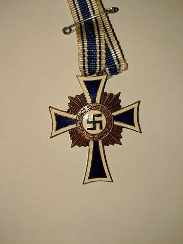 Is this a fake mutterkreuz
