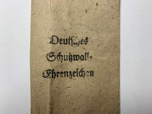 Deutsche Schutzwall Ehrenzeichen fake set?
