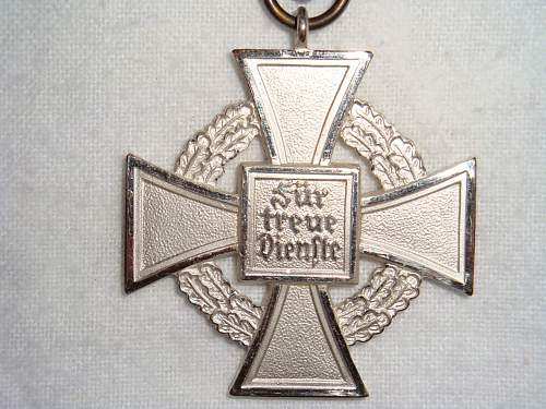 25 Treuedienst-Ehrenzeichen in Silber