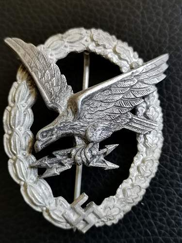 Up for a grab! A nice late war gunner badge in zinc ca. 1944 - 1945