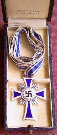Mutterkreuz - bronze miniature