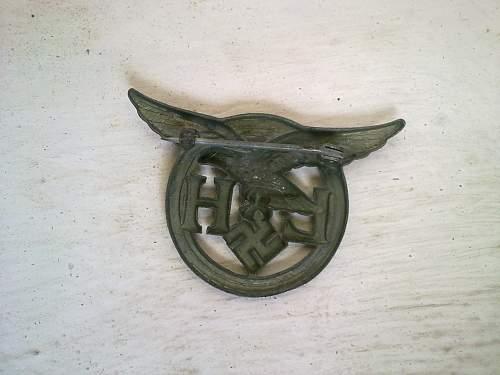 Luftwaffe badge and 1939 Eisernes Kreuz Spange 2kl.