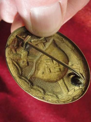 Click image for larger version.  Name:GOLD WOUND BADGE #2.jpg Views:174 Size:149.6 KB ID:172899