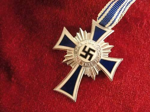 Click image for larger version.  Name:MOTHERS CROSS.jpg Views:204 Size:150.1 KB ID:175239