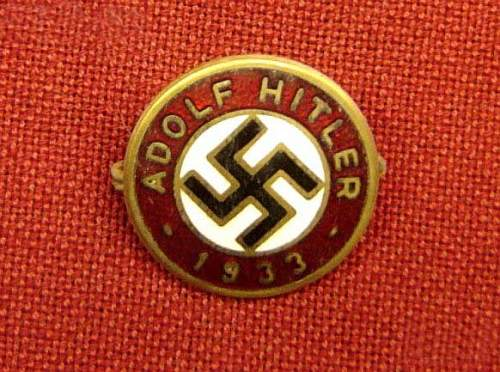 Click image for larger version.  Name:1933-adolph-hitler-party-pin-larger-style-rzm-129-6e1f7.jpg Views:444 Size:64.1 KB ID:188814