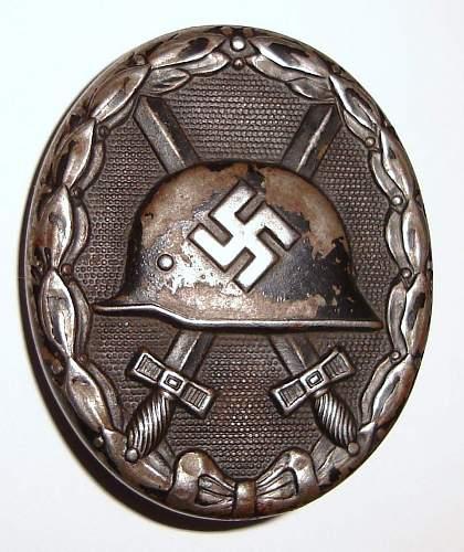 Deutsches Schutzwall Ehrenzeichen, Winterschlacht im Osten (60) and Verwundetenabzeichen im Schwartz (L/56) - Authentic?