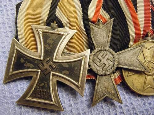 Click image for larger version.  Name:8 Medal bar (close-up)1.jpg Views:44 Size:229.8 KB ID:195708