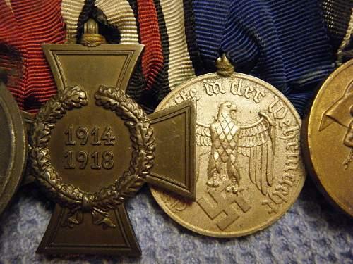 Click image for larger version.  Name:8 medal bar (close-up) 3.jpg Views:38 Size:208.4 KB ID:195710