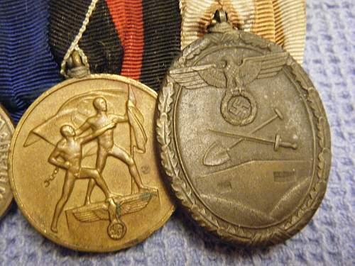 Click image for larger version.  Name:8 medal bar (close-up) 4.jpg Views:36 Size:255.9 KB ID:195716
