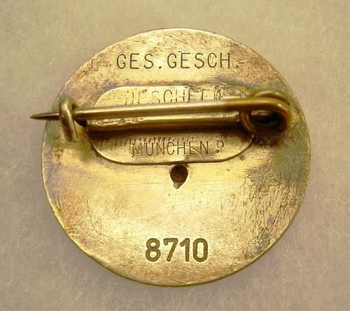 NSDAP Goldenes Parteiabzeichen...original or repro?