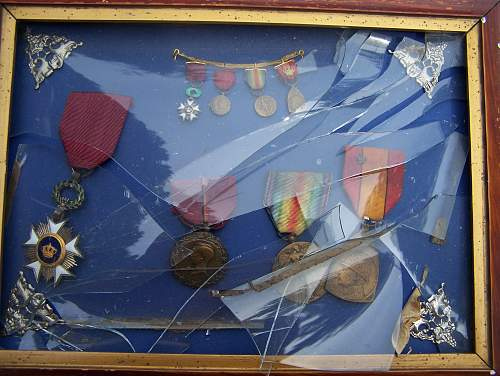 How do you show your medals.