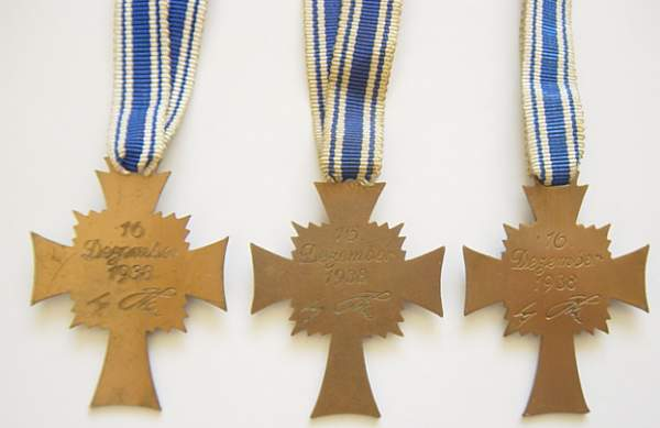 Click image for larger version.  Name:Mother Crosses in Bronze. Reverse..jpg Views:1257 Size:195.9 KB ID:22076