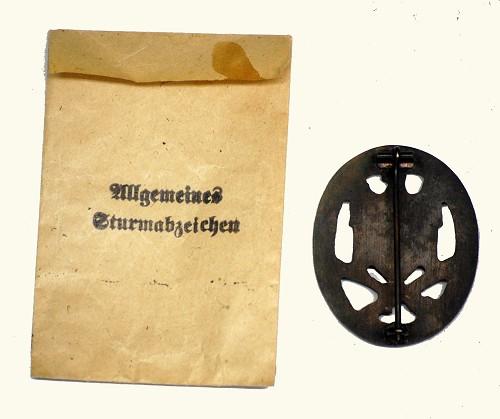 RK Minensuchkriegsabzeichen, IAB, GAB, and two shields