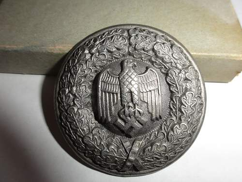 Help identifying Ostmedaille and another unidentified piece - are they authentic?
