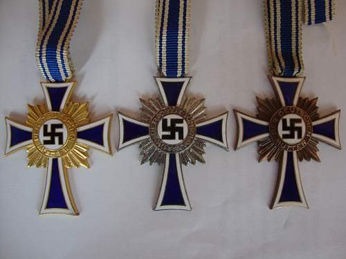 Three grades of Mutterkreuze