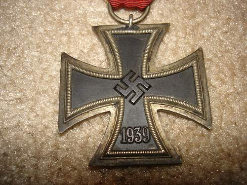 Click image for larger version.  Name:medals 009.jpg Views:73 Size:185.5 KB ID:251147