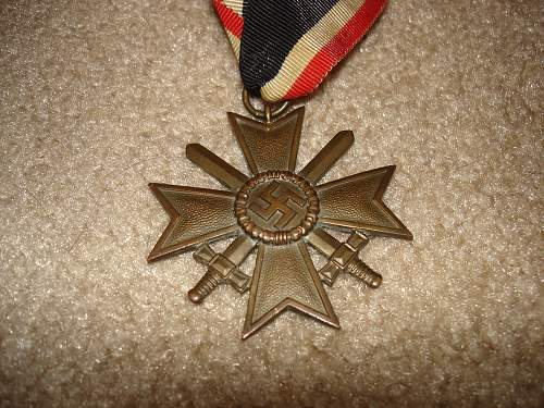 Click image for larger version.  Name:medals 001.jpg Views:59 Size:187.6 KB ID:251150