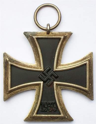 Medal bar: EKII, Czech and Austrian Annex medals, and Memel medal