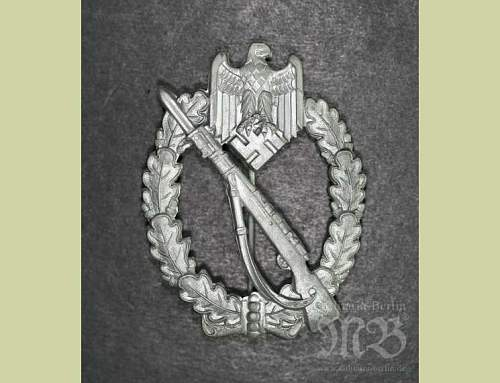 Click image for larger version.  Name:Silver Infantry Assault Badge.jpg Views:53 Size:41.0 KB ID:252907