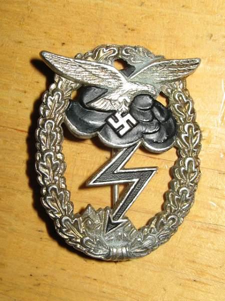 Luftwaffe/fallscrimjager Badge