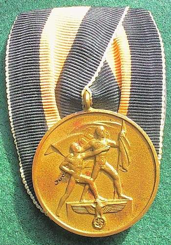 Click image for larger version.  Name:40) Sudetenland medal.jpg Views:27 Size:151.0 KB ID:257530