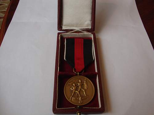 Click image for larger version.  Name:medal 002.jpg Views:132 Size:250.2 KB ID:265462