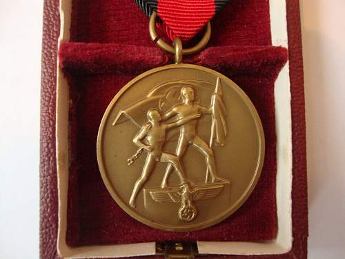 Click image for larger version.  Name:medal 003.jpg Views:117 Size:239.7 KB ID:265463