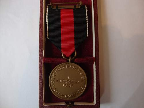 Click image for larger version.  Name:medal 004.jpg Views:192 Size:241.4 KB ID:265464