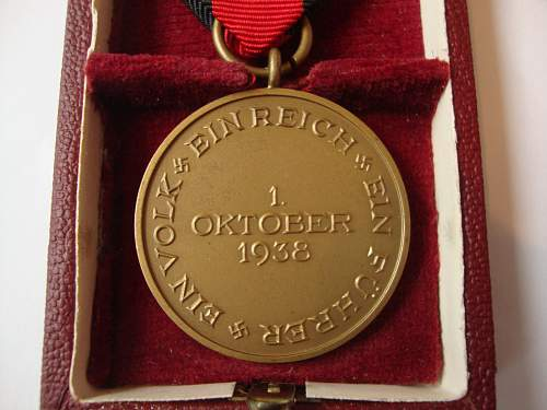Click image for larger version.  Name:medal 005.jpg Views:251 Size:237.9 KB ID:265465