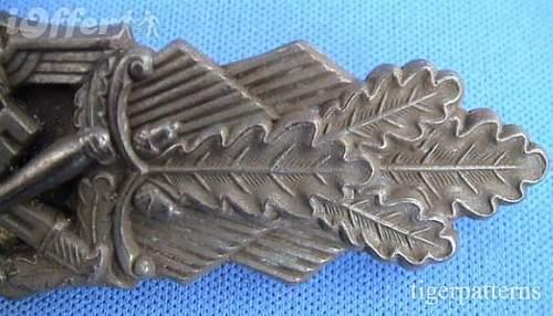 Click image for larger version.  Name:rare-circle-fll-berlin-maker-bronze-close-combat-clasp-ec96[1].jpg Views:83 Size:51.8 KB ID:267348