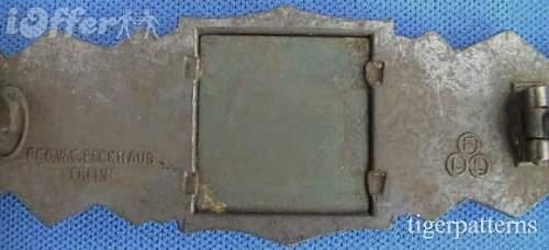 Click image for larger version.  Name:rare-circle-fll-berlin-maker-bronze-close-combat-clasp-83db[1].jpg Views:46 Size:31.9 KB ID:267351