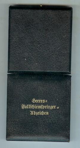 Heeres Fallschirmspringer Abzeichen mit Etui.