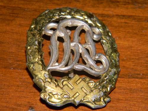 Reichssportabzeichen 2. modell DRL mit HakenKreuz fur Versherte, gold silber und bronz