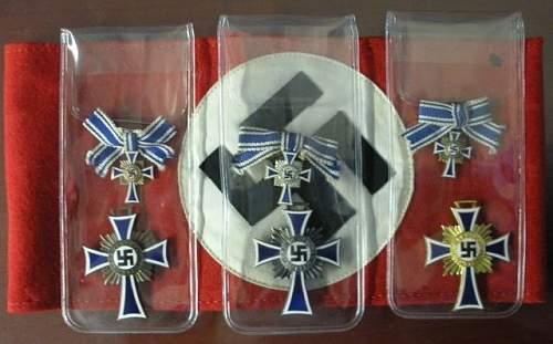 Small Mutterkreuz collection
