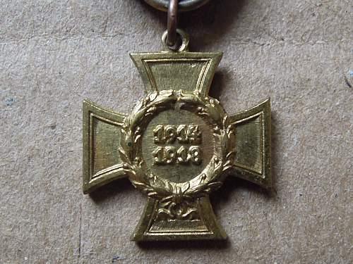 Click image for larger version.  Name:Ehrenkreuz für Kreigsteilnehmer (obverse #2).jpg Views:57 Size:262.1 KB ID:300600