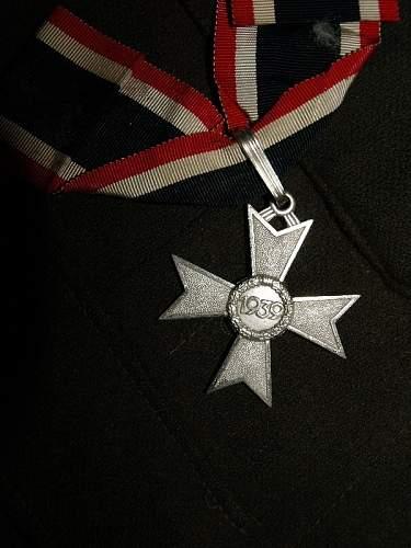 Click image for larger version.  Name:german badge 085.jpg Views:78 Size:144.9 KB ID:302104