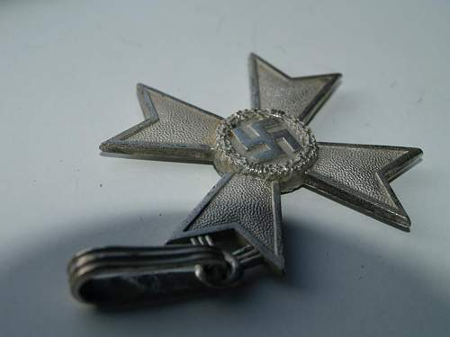 Ritterkreuz des Kriegsverdienstkreuzes.