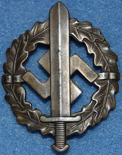 This Just In...Bronzes SA-Sportabzeichen.