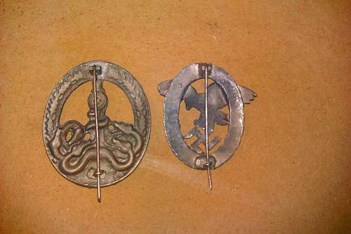 2 Badges From Italy