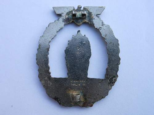 Click image for larger version.  Name:minesweepers badge and SS scull 002.JPG Views:38 Size:232.3 KB ID:316803