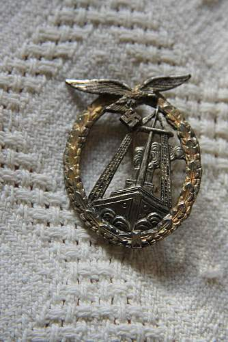Large selection of combat badges, need help please!