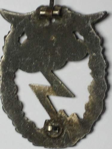 Click image for larger version.  Name:Erdkampfabzeichen der Luftwaffe 014.jpg Views:59 Size:229.6 KB ID:321982
