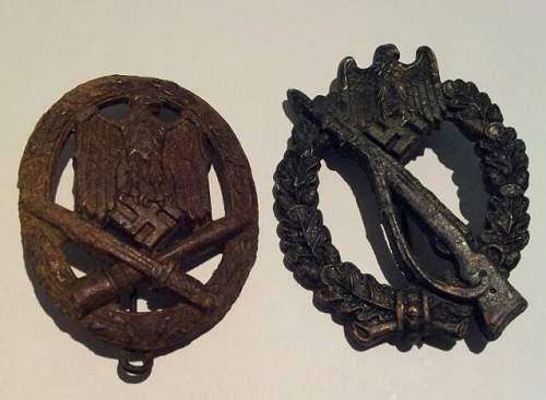 Fake or original 2 medals? Please help!