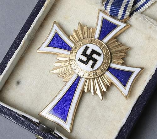 Ehrenkreuz der Deutsche Mutter Erste Stufe, opinions please.
