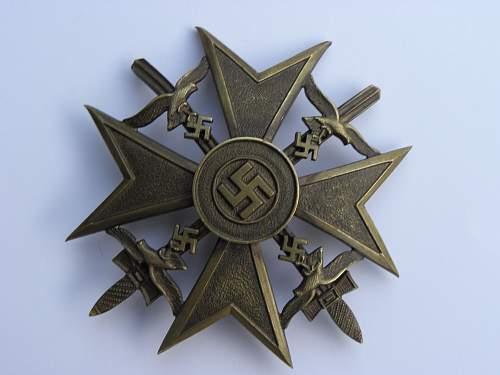 Spanienkreuz in Bronze mit Schwerter, is it real?