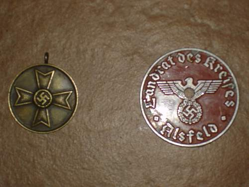Any help identifying this medal and badge