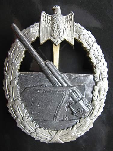 Kriegsabzeichen fur die Marine-Artillerie.